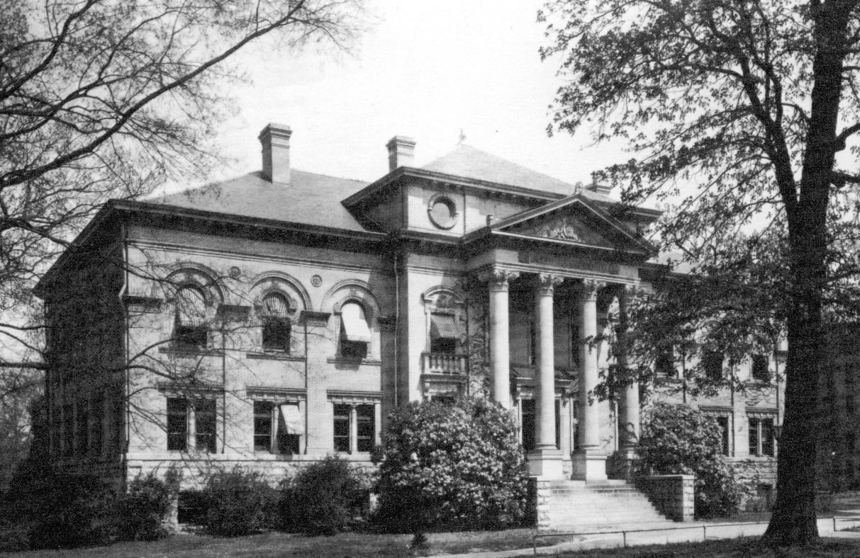 Historical Photo of Alumni Building