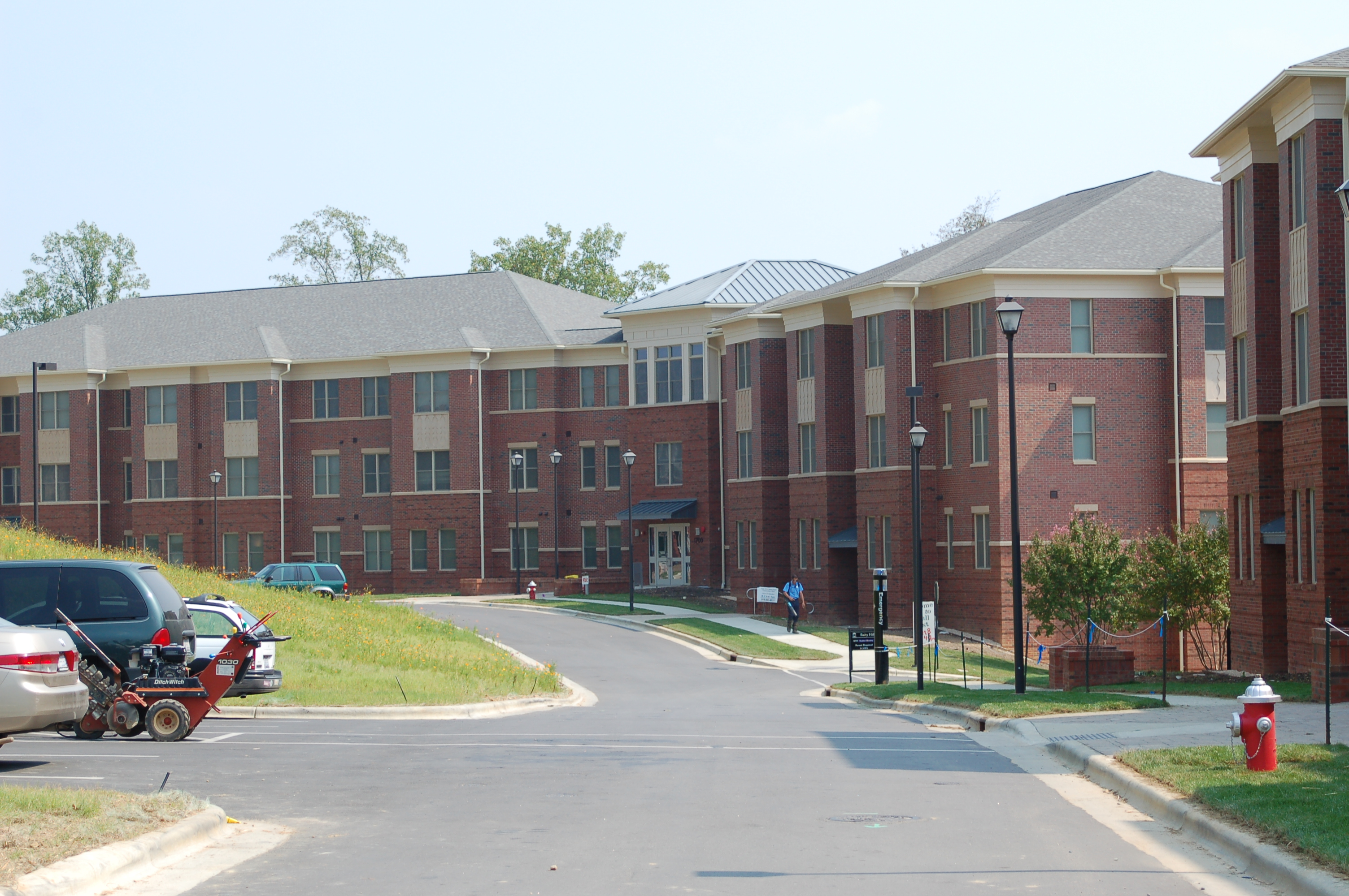 Contemporary Photo of Baity Hill 1700 Student Family Housing